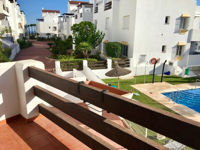 Beautiful apartment for sale in Valle Romano complex, overlooking the pool.   The apartment offers a,Spain