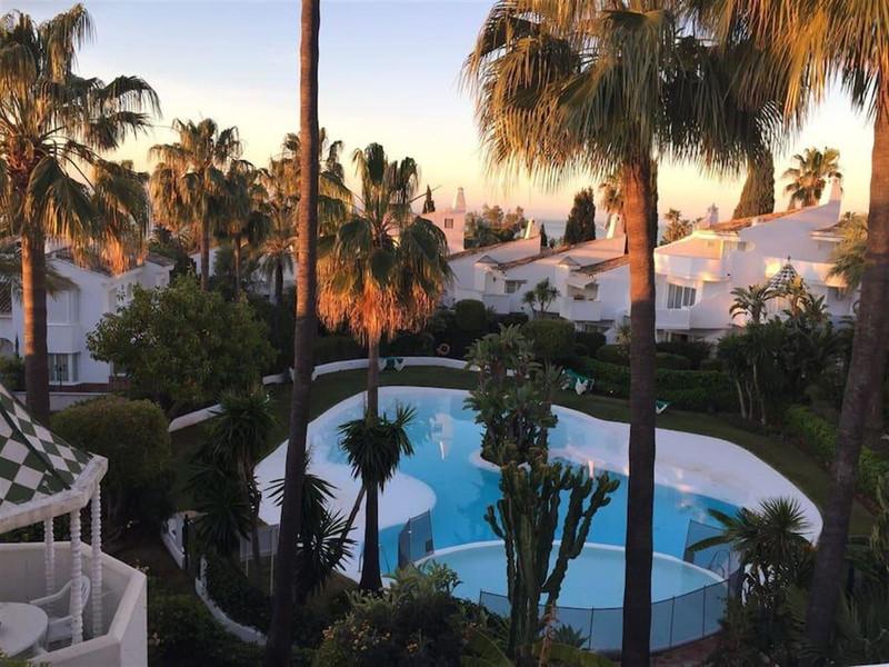 Adosada en venta en Marbella – R3459310