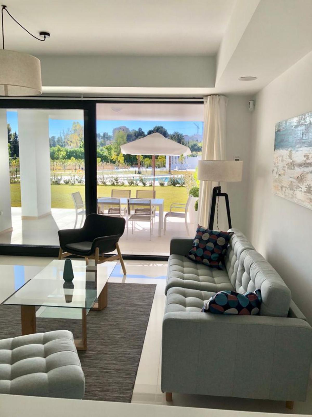 Marbella Banus Apartamento en Venta en Atalaya – R3378352