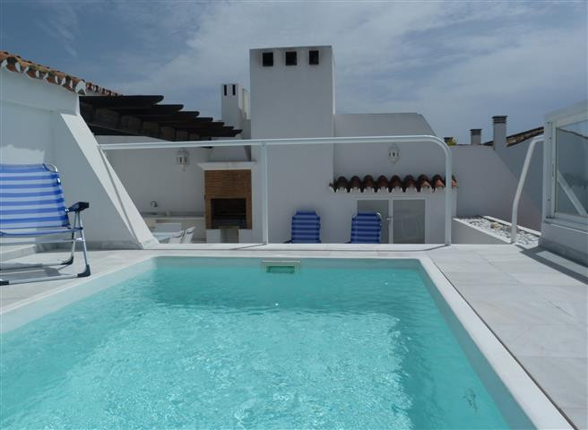 Duplex penthouse in a luxurious complex, with 24 hours security, gardens, swimming pool and a few me, Spain