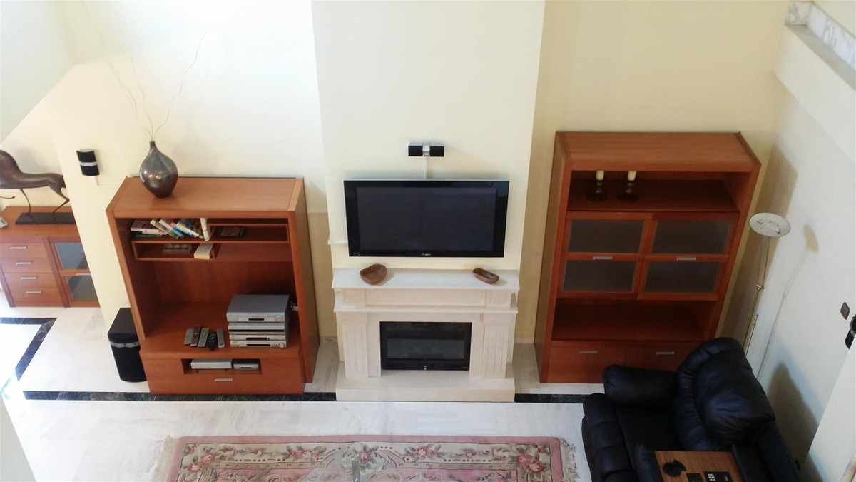 4 Bedroom Apartment for sale La Carihuela