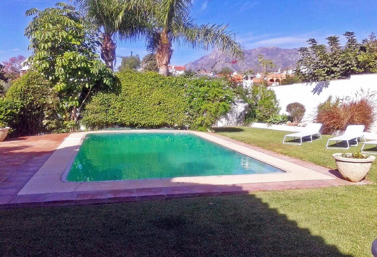 Marbella Banus Villa – Chalet en Venta en Marbella – R3597308