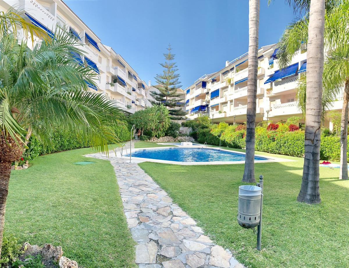 Marbella Banus Apartamento Planta Media en Venta en San Pedro de Alcántara – R3465658