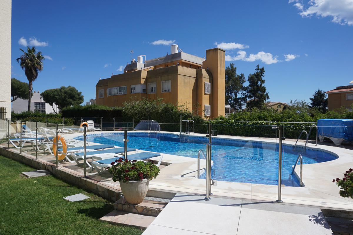 Fantastic opportunity to purchase a lovely 1 bedroom property in a great complex in Benalmadena cost,Spain