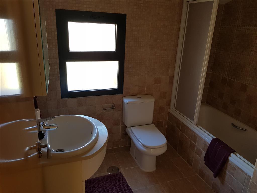 Apartamento con 3 Dormitorios en Venta Los Pacos