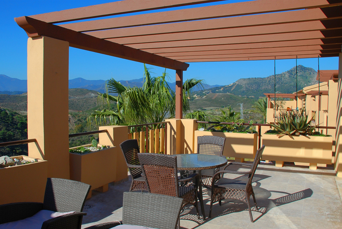 Welcome to this oasis of calm! In a much appreciated area you find this apartment with the best loca,Spain
