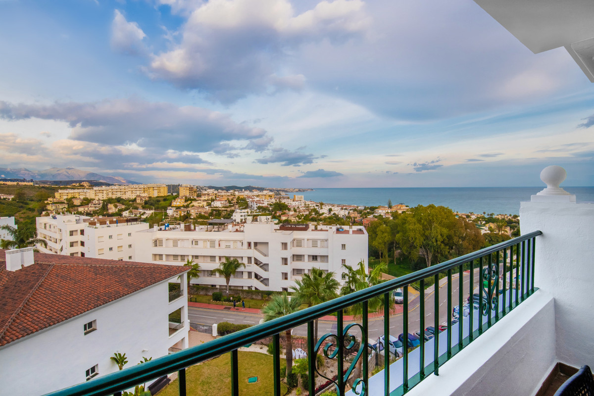 Warm welcome to this fantastic apartment overlooking the Mediterranean Sea!  The dwelling has a livi,Spain