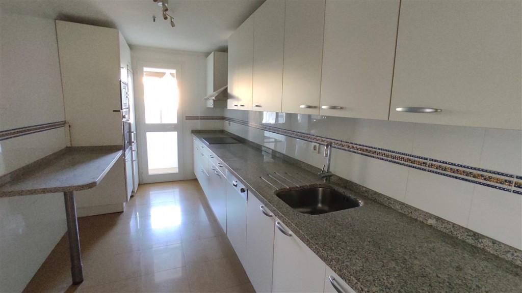 Apartamento en Venta en Marbella – R3687779