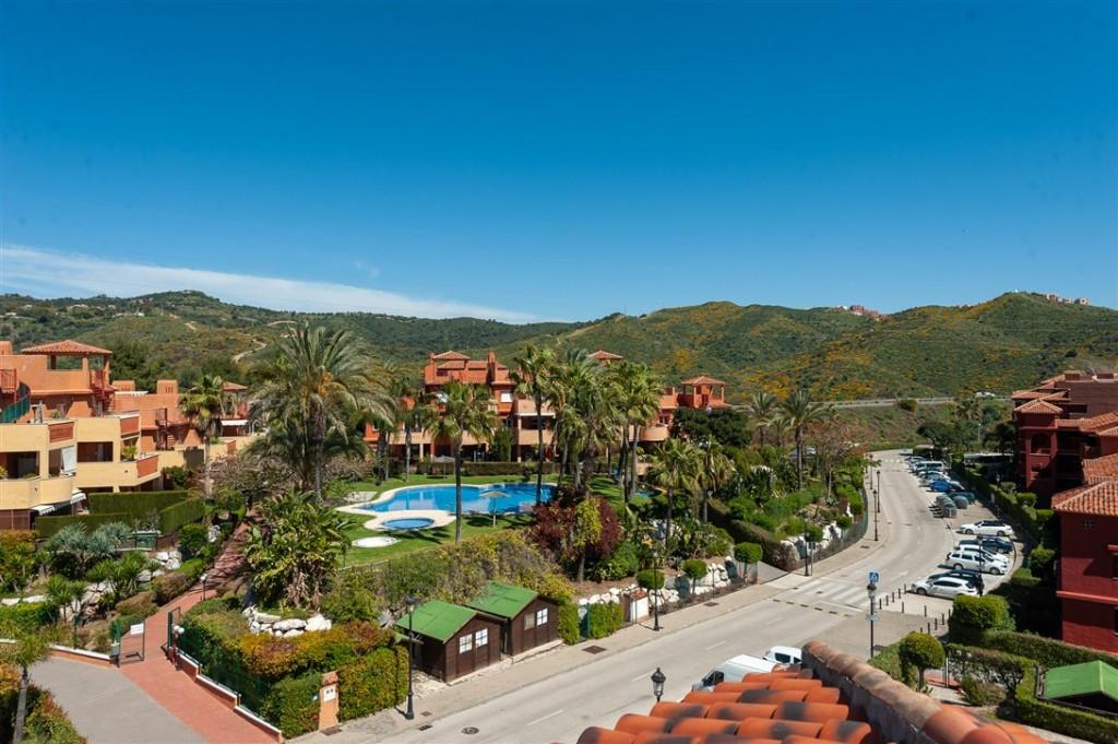 Ático en Venta en Marbella – R3823828