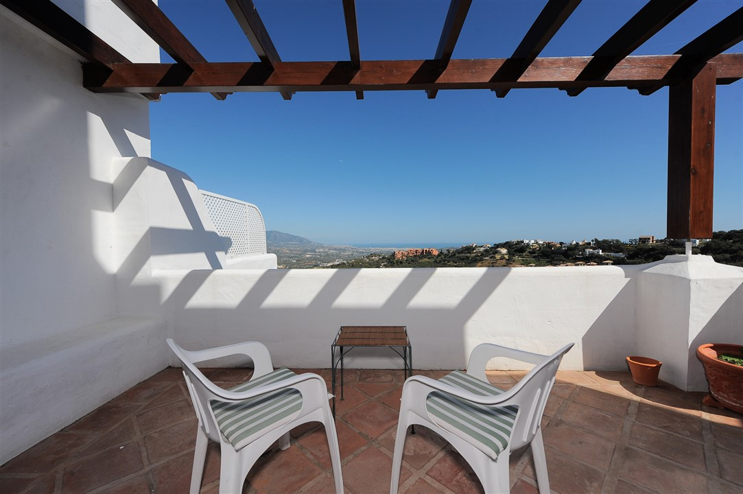 Marbella Banus Apartamento Planta Baja en Venta en La Mairena – R3750733