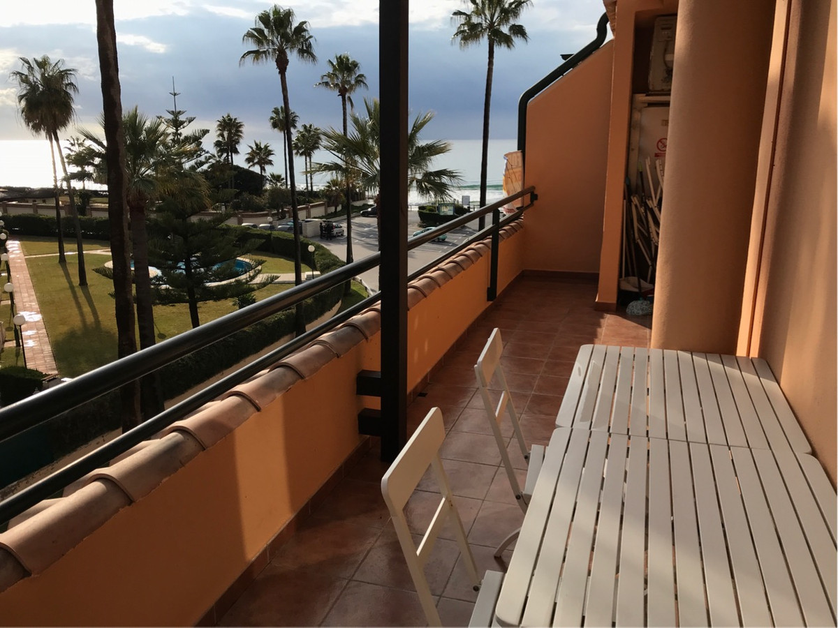 Originally listed at 349,000 € now reduced to 319.000 € Fantastic duplex penthouse that we find on t,Spain