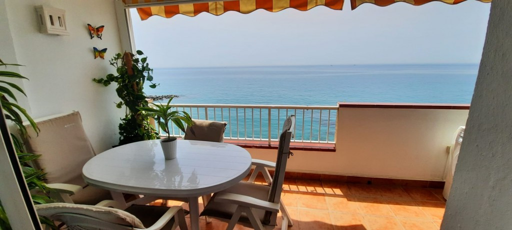 Fantastic 2 bedroom apartment that we find on the beachfront in the Carvajal area, in Benalmadena Co,Spain