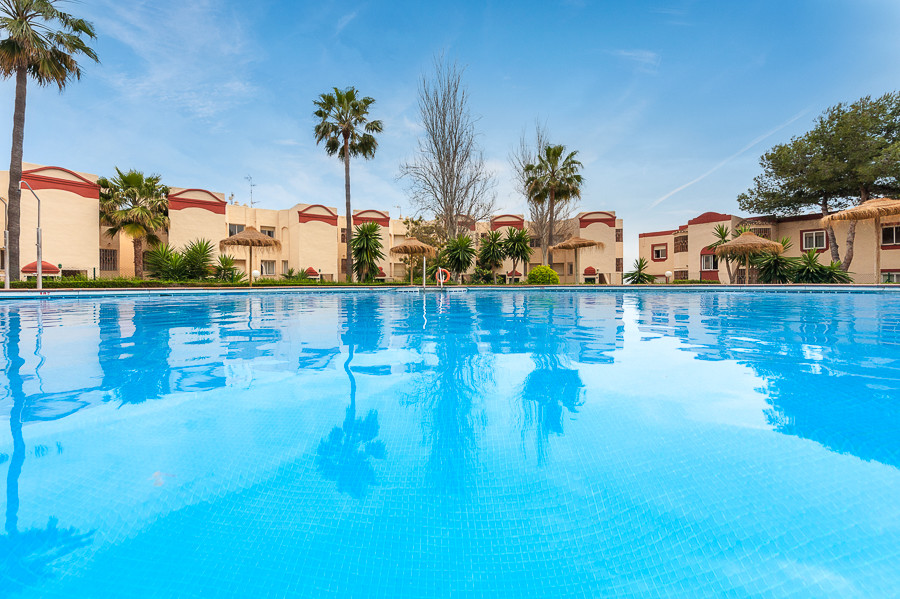 Originally listed for 182.500€ and recently reduced to 149.000€ this fantastic 2 bedroom, 2 bathroom,Spain