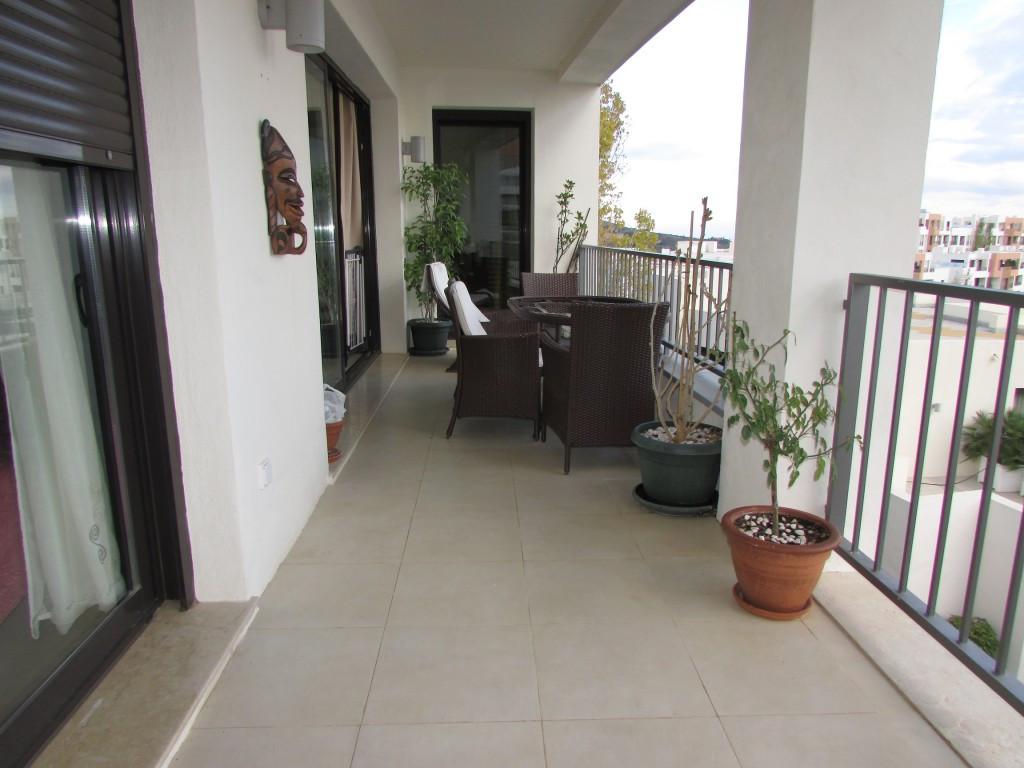 Lägenhet på mellanplan i Marbella R2309507