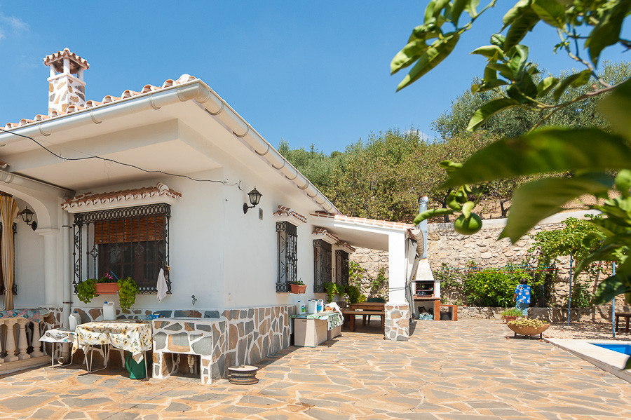 Magnificent finca that we found near the village of Periana in the area of the Axarquia, with easy a,Spain