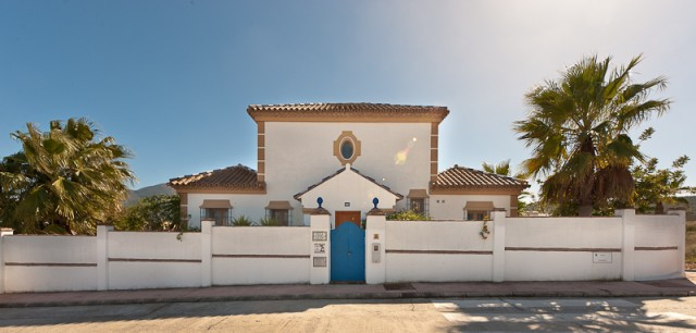 Situated on the outskirts of Coin, this former showhouse is an exceptional opportunity. Occupying a ,Spain