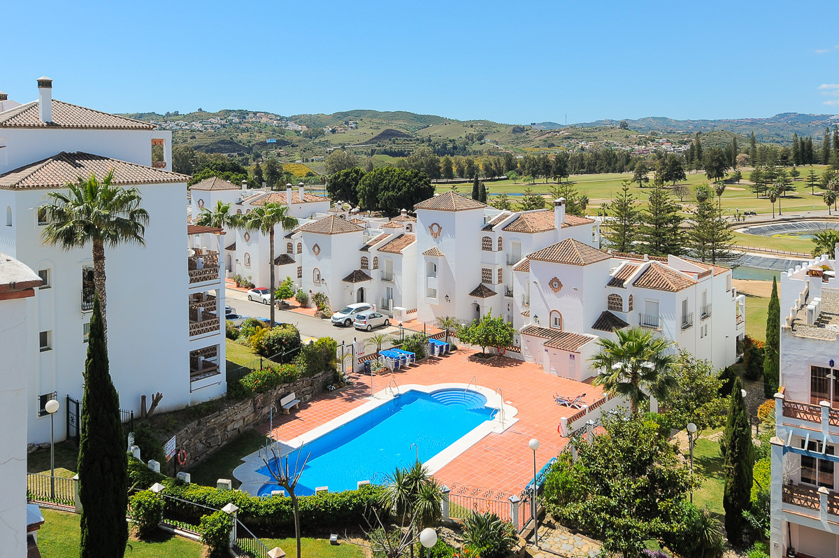 Beautiful penthouse inside a gated and perfectly maintained complex called Las Golondrinas in Mijas ,Spain