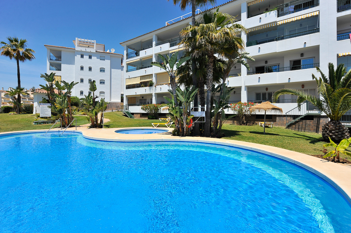 Apartment Middle Floor Mijas Costa Málaga Costa del Sol R3182905