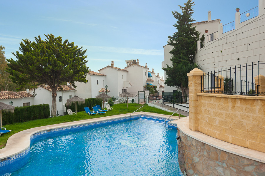 This very spacious townhouse is situated very close to the Torrequebrada Golf course and is walking , Spain