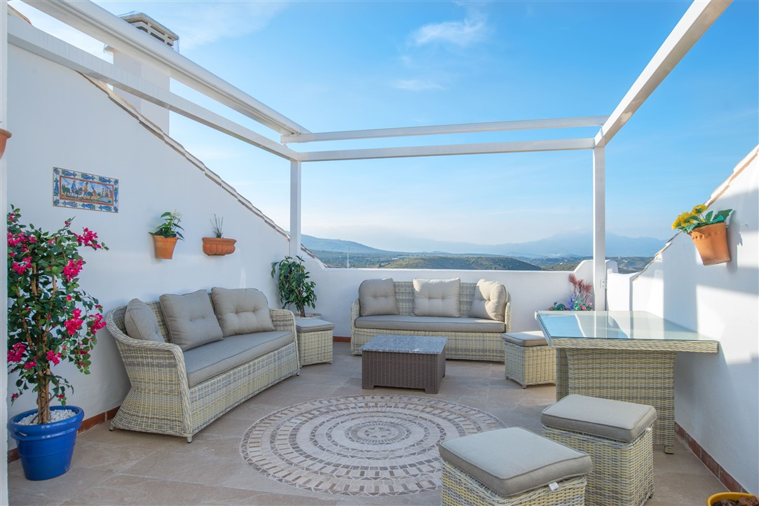 Special Penthouse for sale in Alhaurin Golf – with stunning views This spacious, open plan duplex pe, Spain