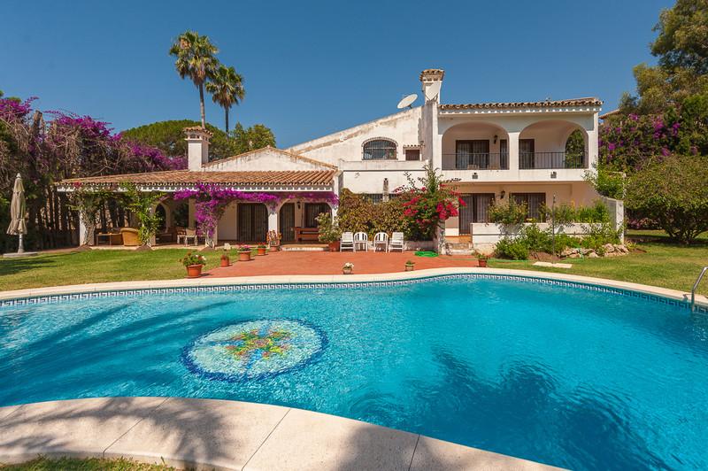 Villa – Chalet a la venta en Mijas – R3520102