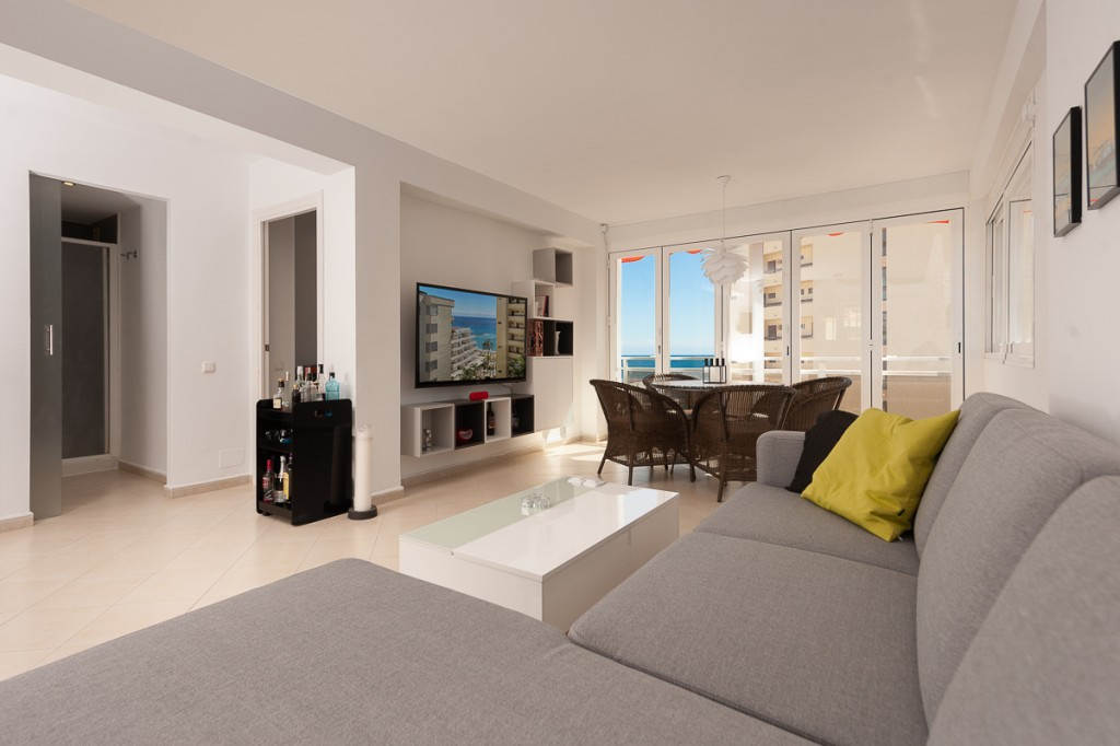 Location, Location, Location! A truly superb apartment right in the heart of Marbella, within easy w,Spain