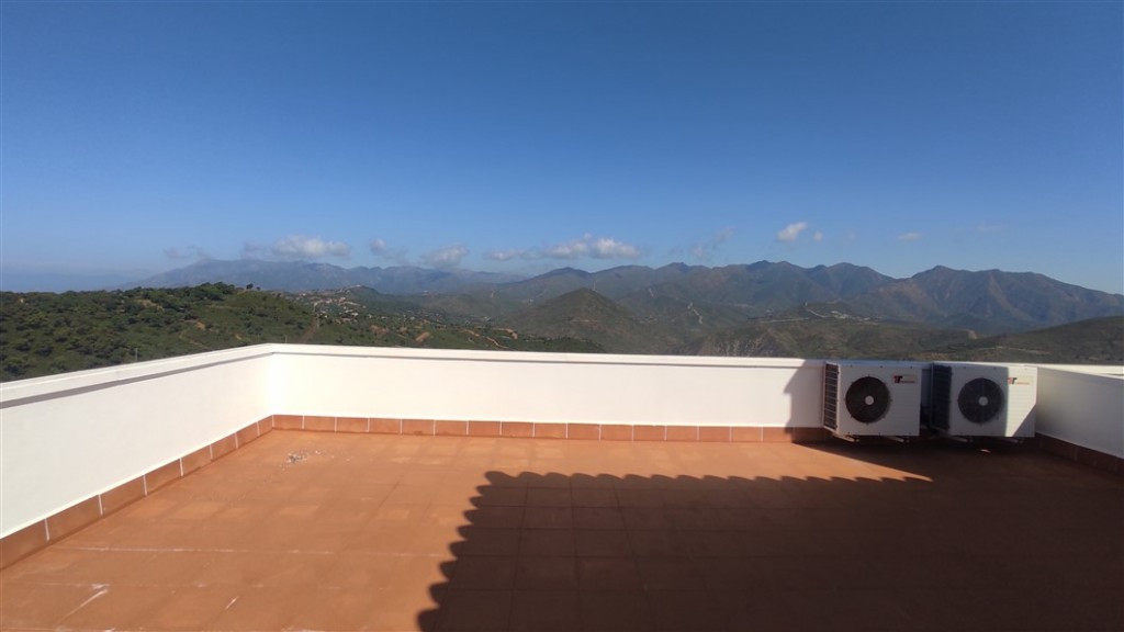 5 Bedroom Terraced Townhouse For Sale Marbella
