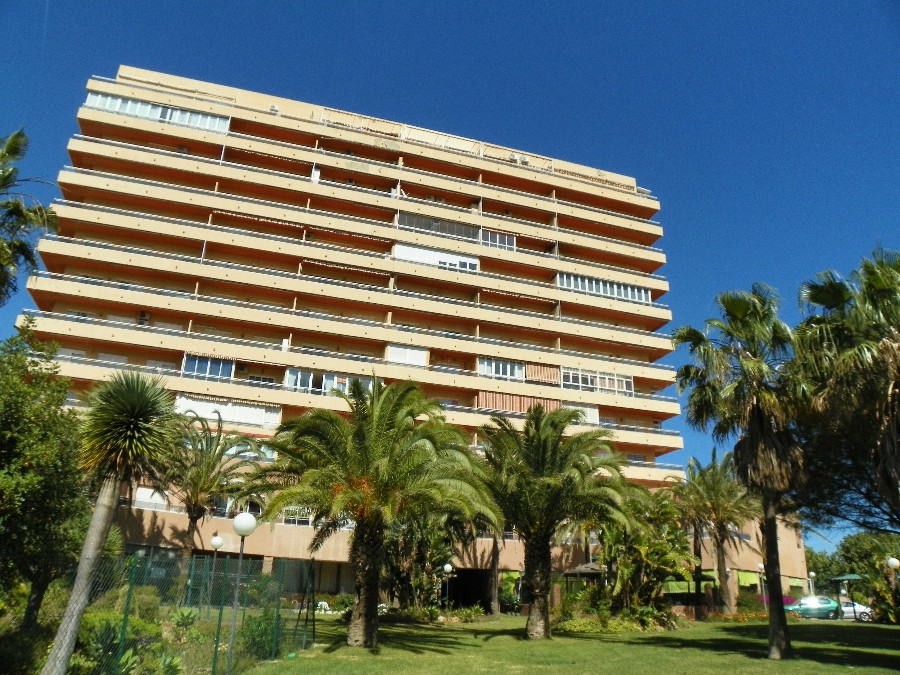 Fantastic 1 bedroom apartment. Situated in a prestigious area in Benalmadena Costa, in a front line , Spain