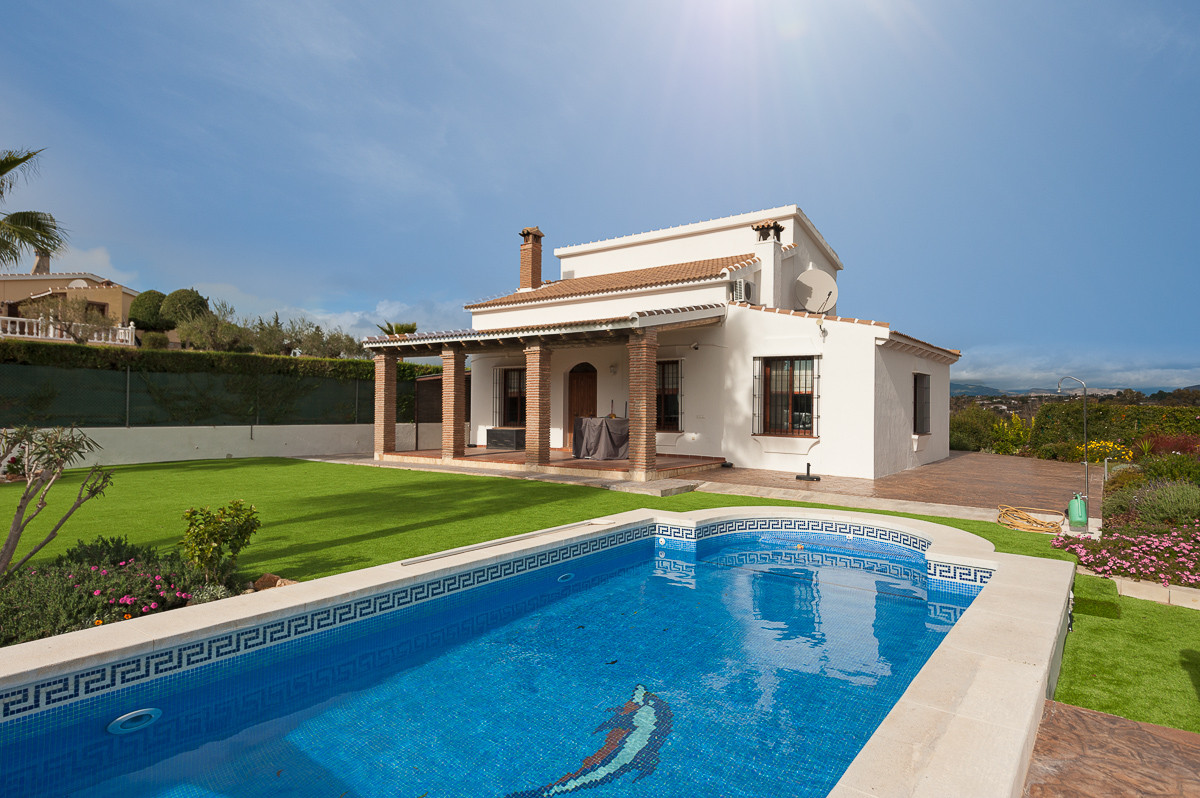 Fabulous finca located on the outskirts of Alhaurin el Grande, located on a large private plot, very,Spain