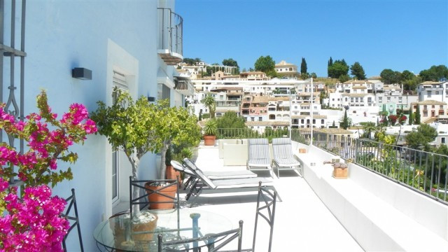Spectacular townhouse situated in the picturesque Urbanization La Heredia. This recently fully refur,Spain