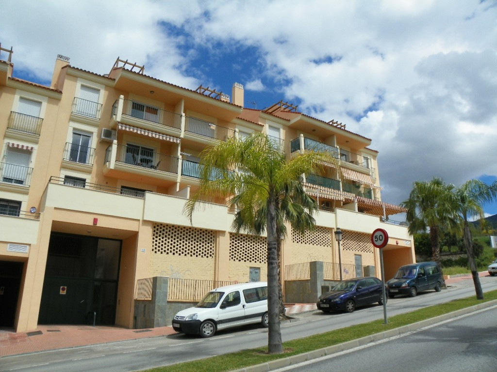 Excellent opportunity to acquire a wonderful top floor apartment close to the center of the village ,Spain