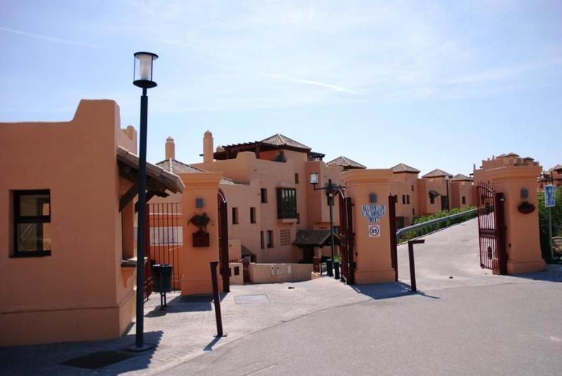 Apartamento Planta Baja en venta, Calahonda – R401005