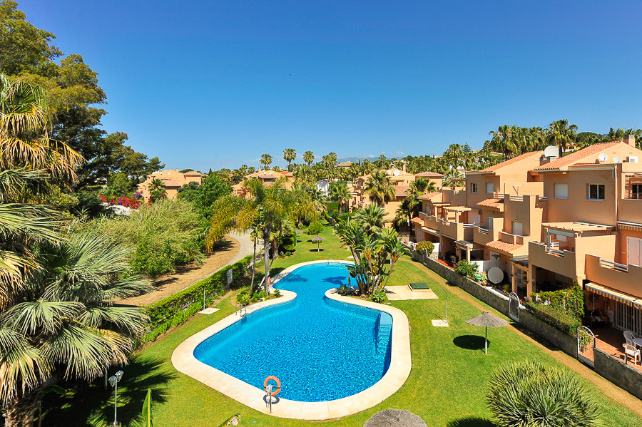 Originally listed for 325,000€, recently reduced to 289,000€. Great value. Beautiful penthouse insid,Spain