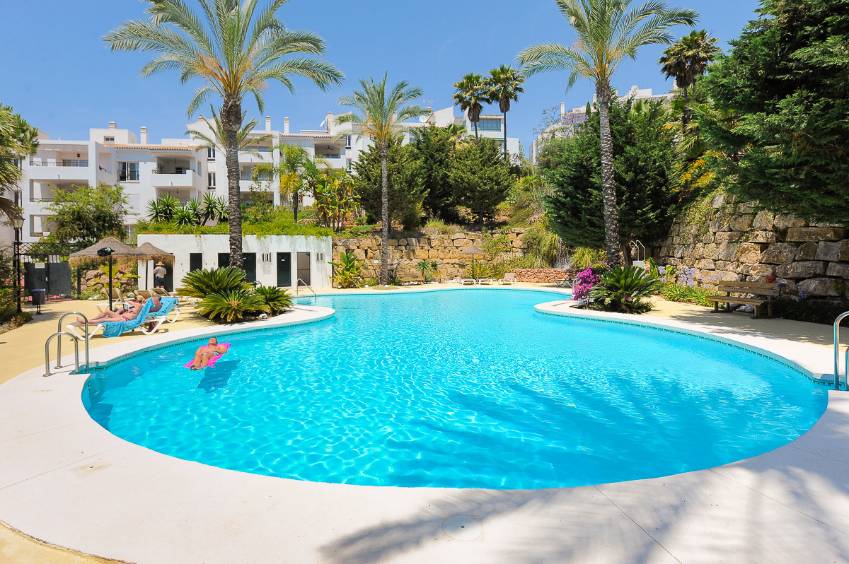 Fabulous 2 bedroom apartment situated in the sought after urbanization of Alhaurin Golf. The propert,Spain