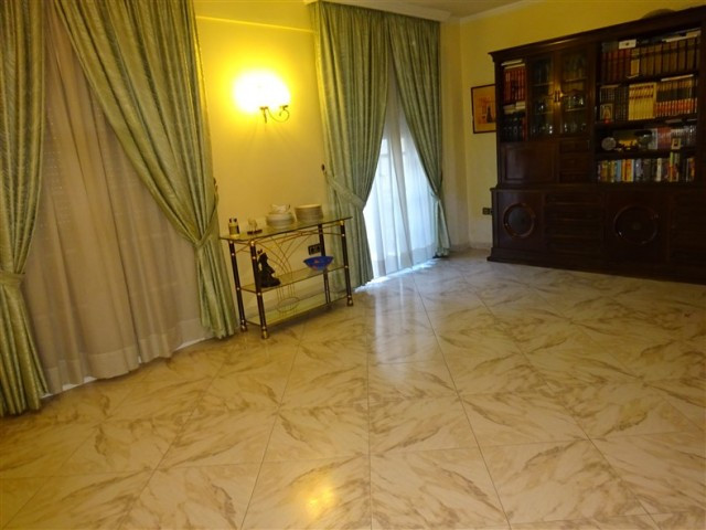Unifamiliar 4 Dormitorios en Venta Málaga