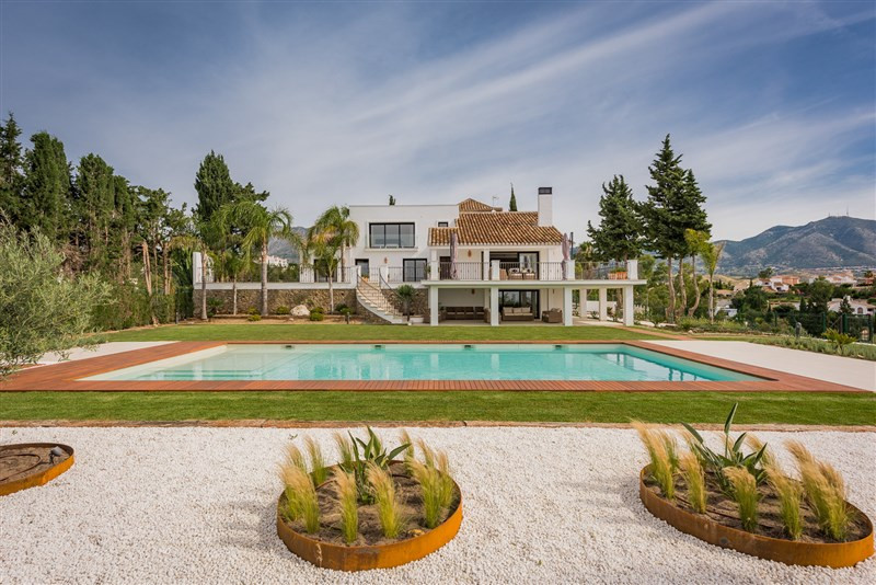 Originally listed for 2.000.000 €, and recently reduced to 1.680.000 €, impressive villa in Campo Mi,Spain