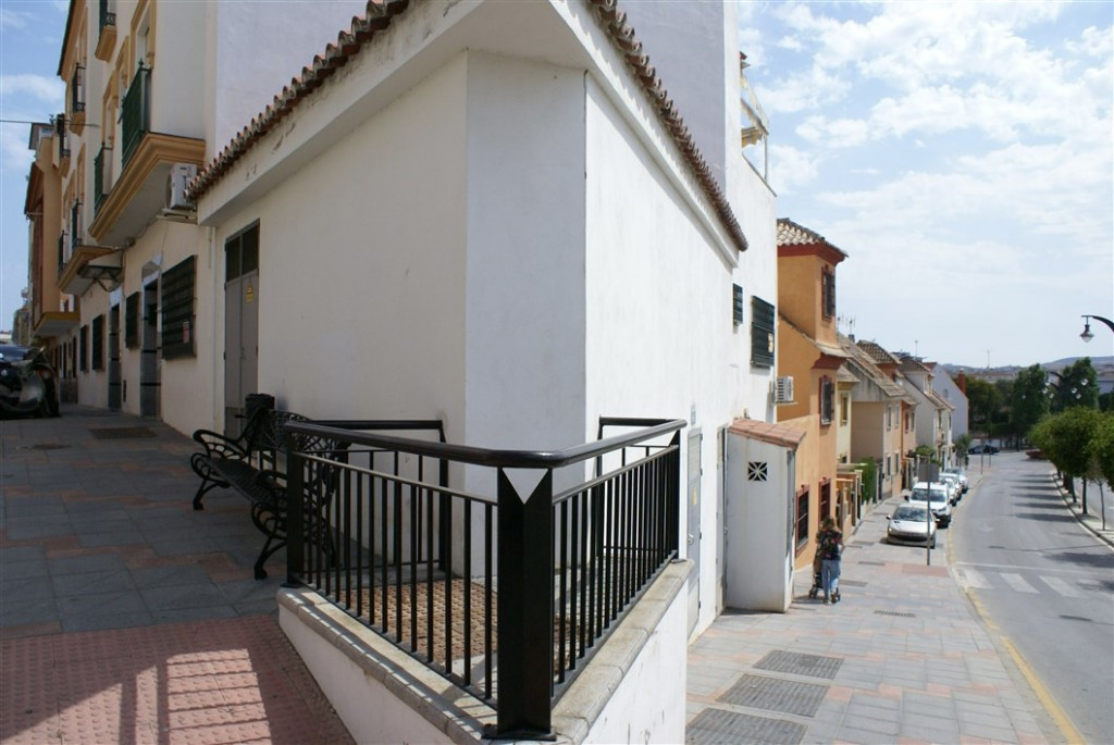 Bright and spacious fully furnished partment located in Mijas Costa. The property is situated on the, Spain