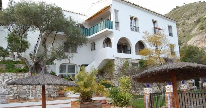 Villa – Chalet a la venta en Mijas – R2855387