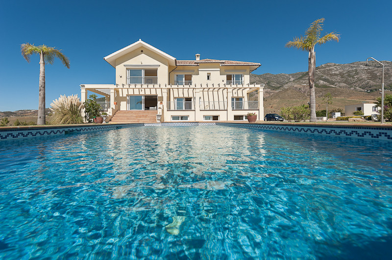 A magnificent detached villa standing in its own grounds,with landscaped gardens and superb swimming, Spain