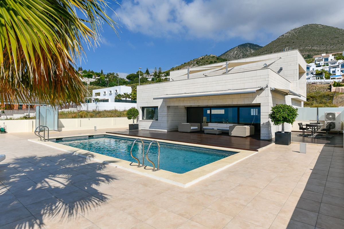 This gorgeous, modern and independent villa boasts absolutely stunning views as it is located below , Spain