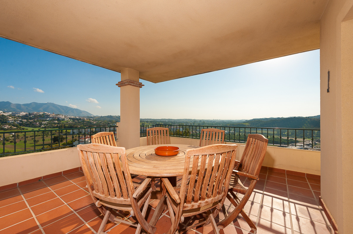 Spectacular spacious penthouse located in a gated community with 24 hour security and situated only ,Spain
