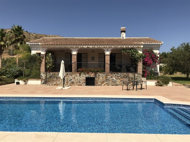 Excellent 3 bedroom finca built on one floor in a quiet and private area a few minutes from the town,Spain