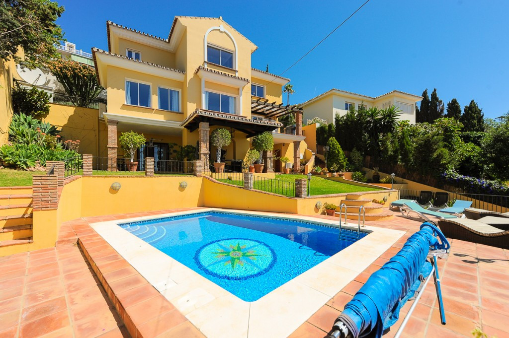 Originally listed at 825,000 € now reduced to 799.000 € A truly exceptional villa, located in a quie,Spain