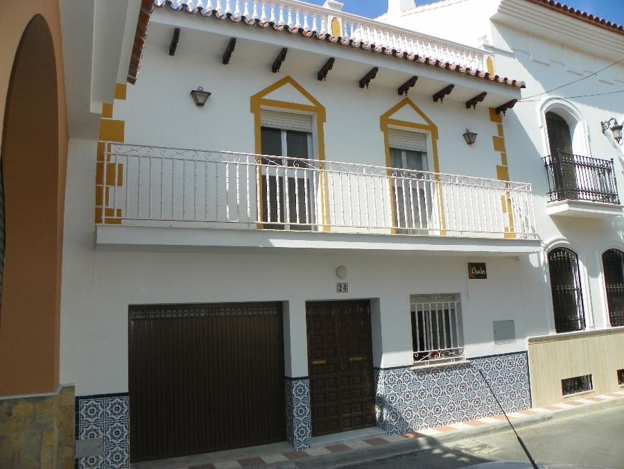 Detached Villa in Alhaurín el Grande R405693