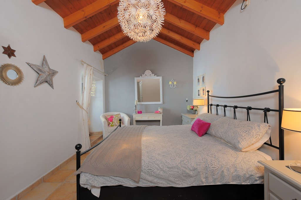 R3288487 | Townhouse in Marbella – € 1,200,000 – 4 beds, 3 baths