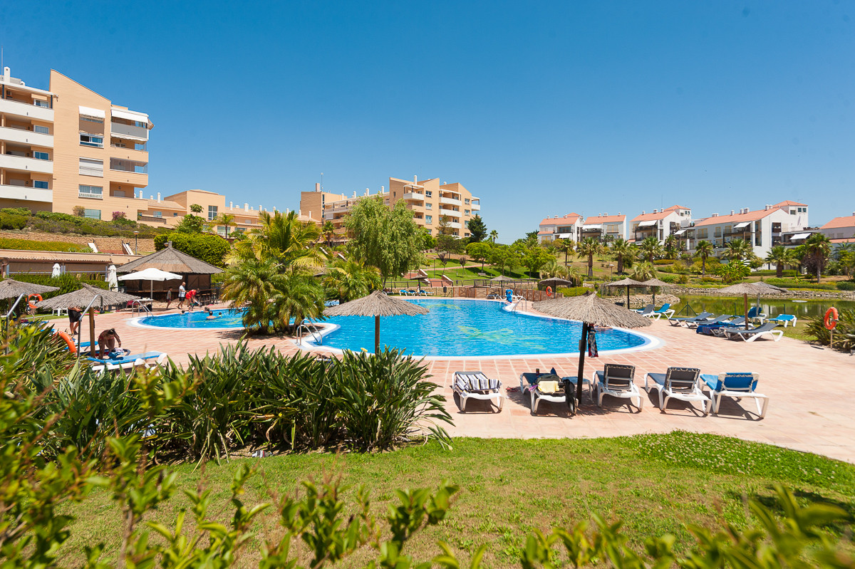 Apartment in Alhaurín de la Torre R3468223 1