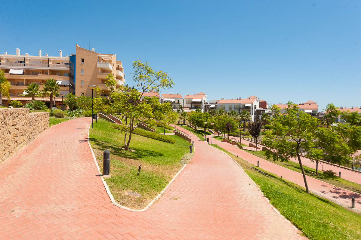 Apartment in Alhaurín de la Torre R3468223 21