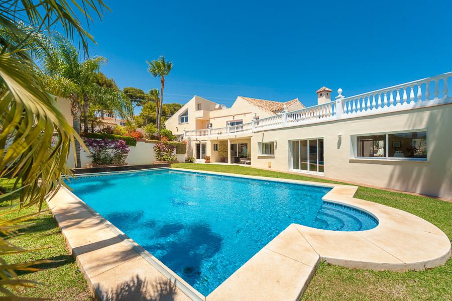 Villa for sale in Hacienda las Chapas - Marbella East Villa - TMRO-R3273721