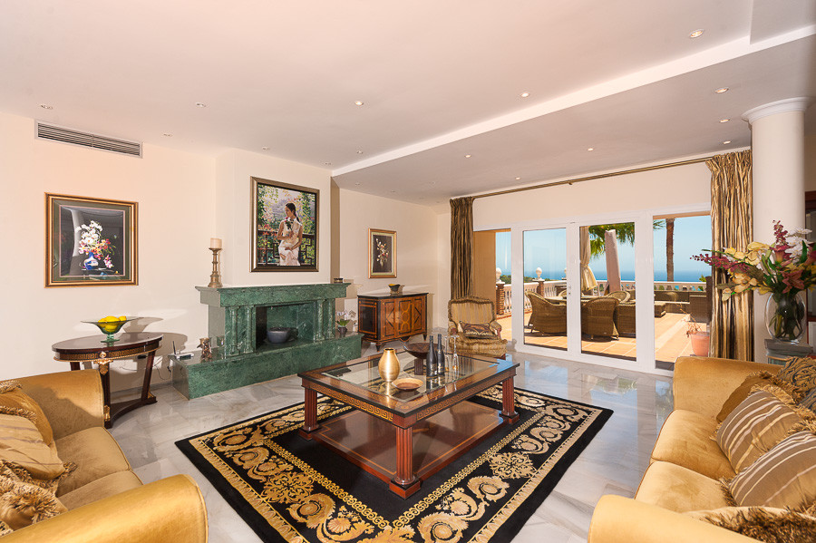 Villa Detached in Hacienda Las Chapas, Costa del Sol