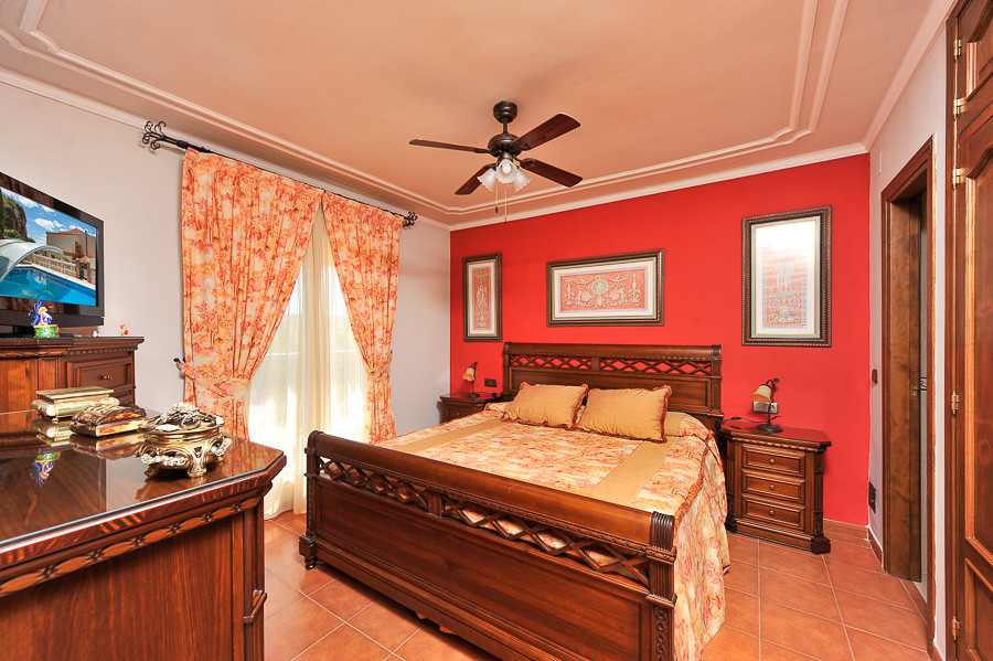 Town House for sale in Coin